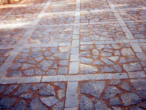 Pavimento piedra natural ideas de disenos for Pavimento piedra natural